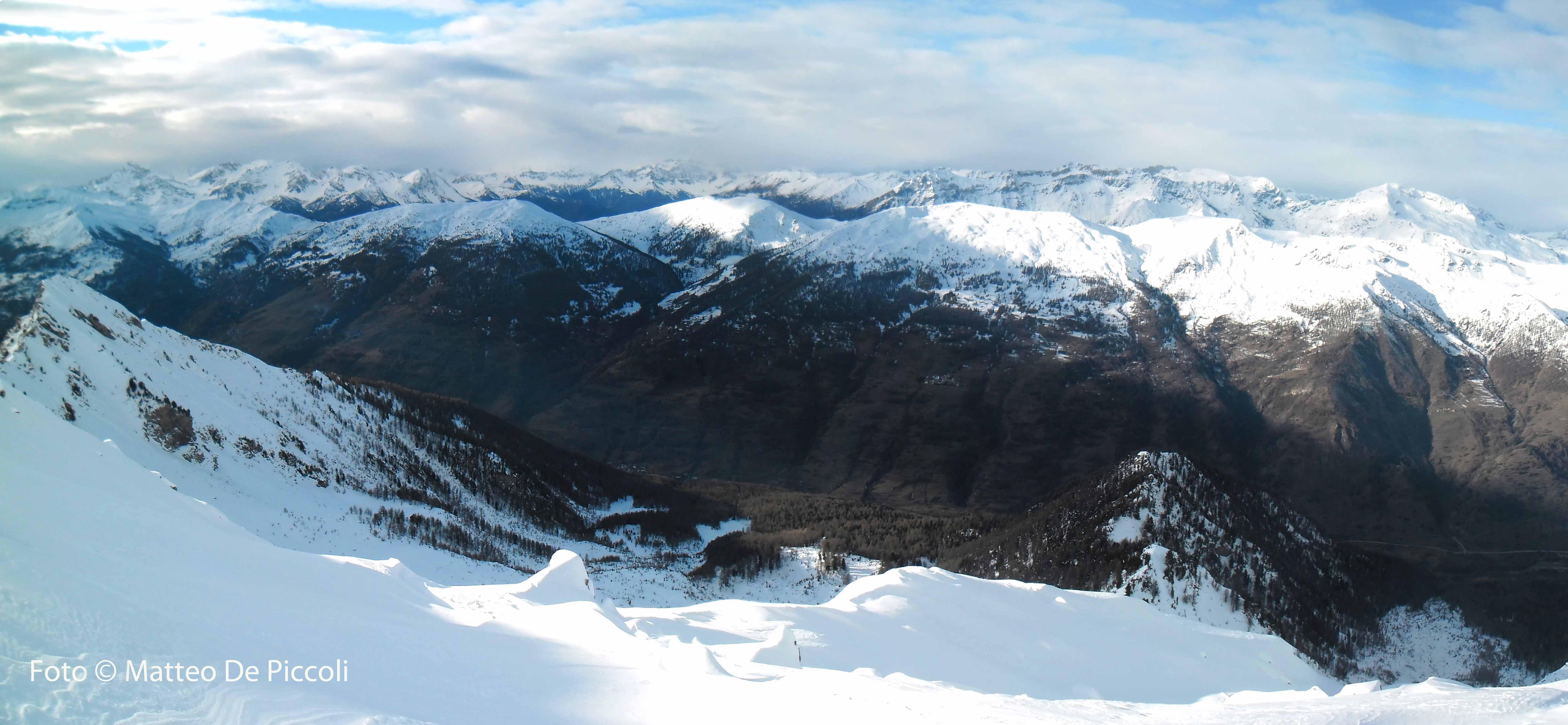 Guardando a Nord, Val Chisone e in secondo piano le cime della Val Susa