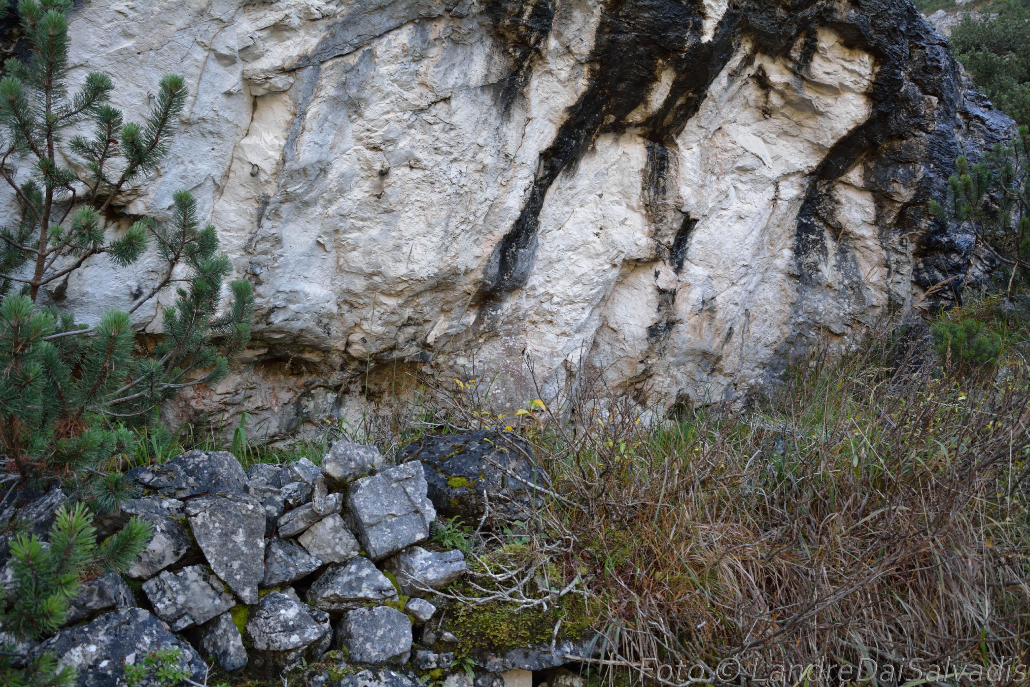 El Pieron, ricovero naturale a metà Val Piovin.