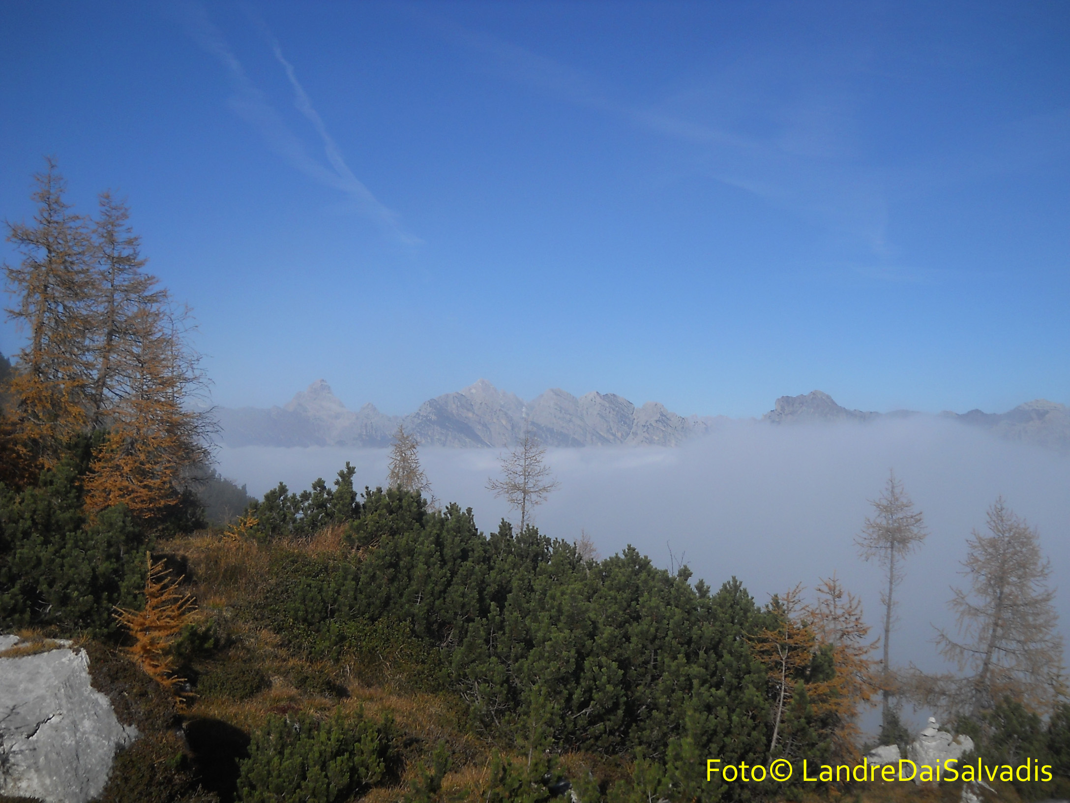Nei pressi della Forchia Bassa, finalmente usciamo dalle nuvole.