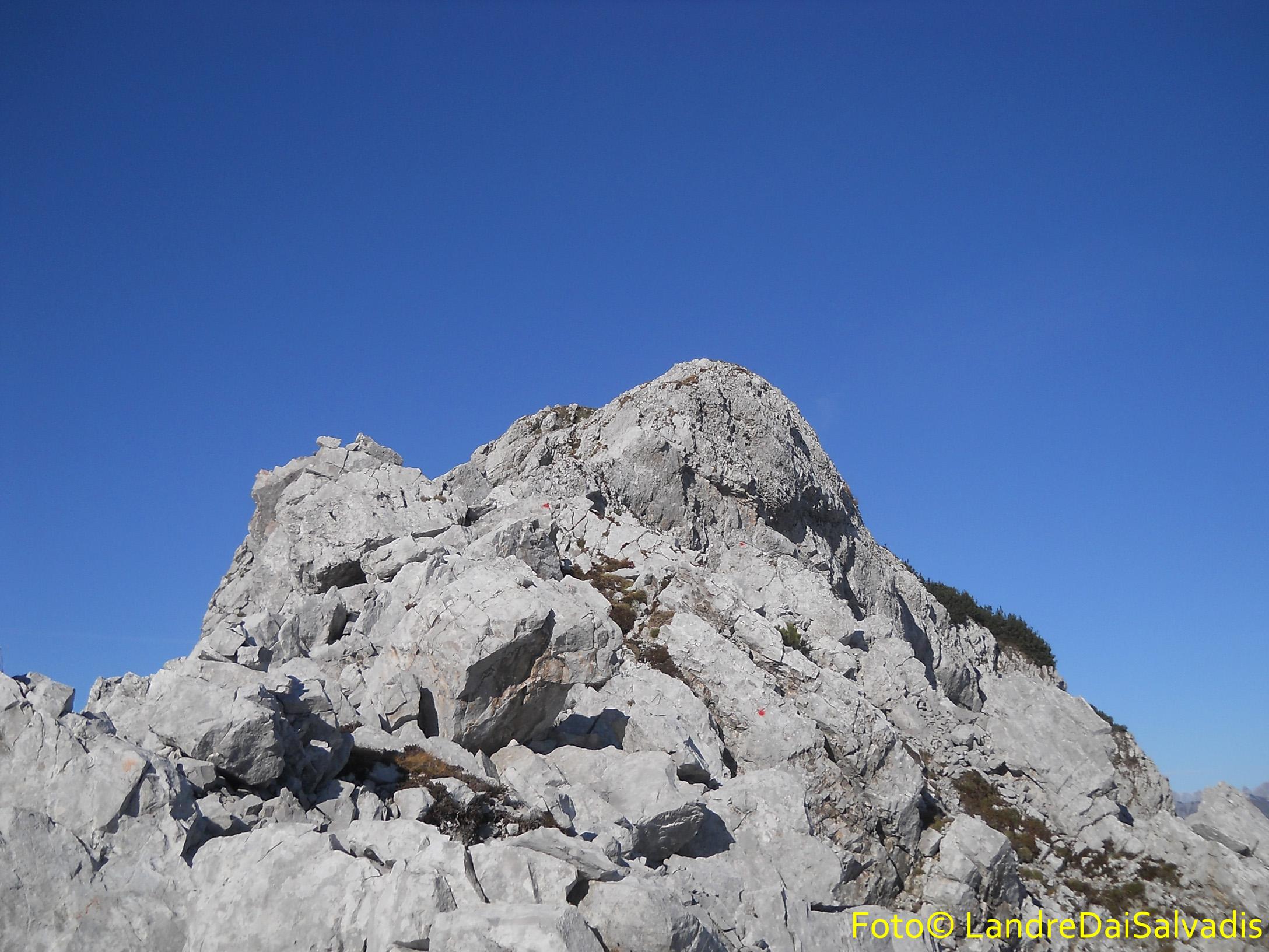 La cresta che porta in cima.