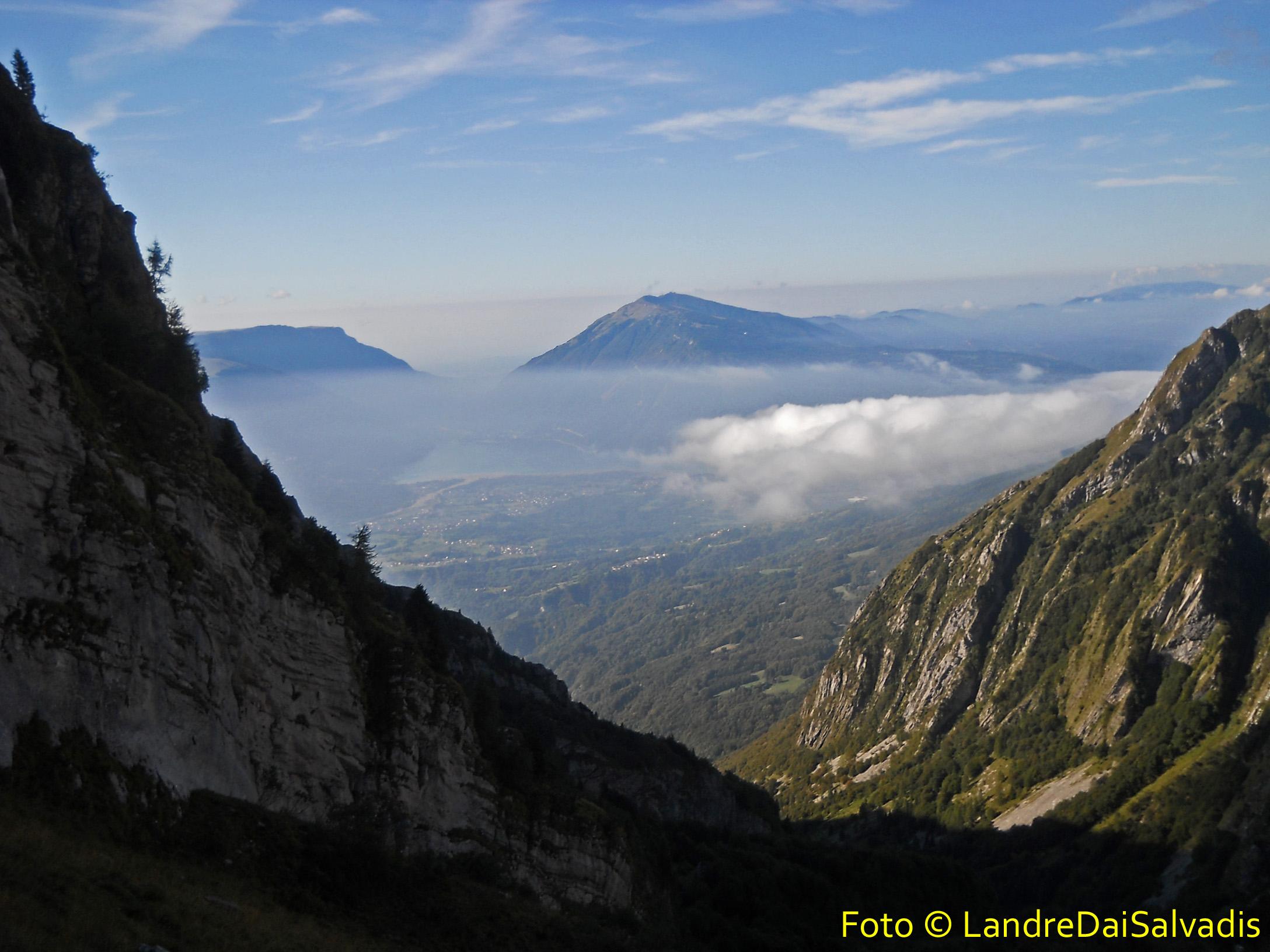 L'Alpago e il lago di Santa Croce.