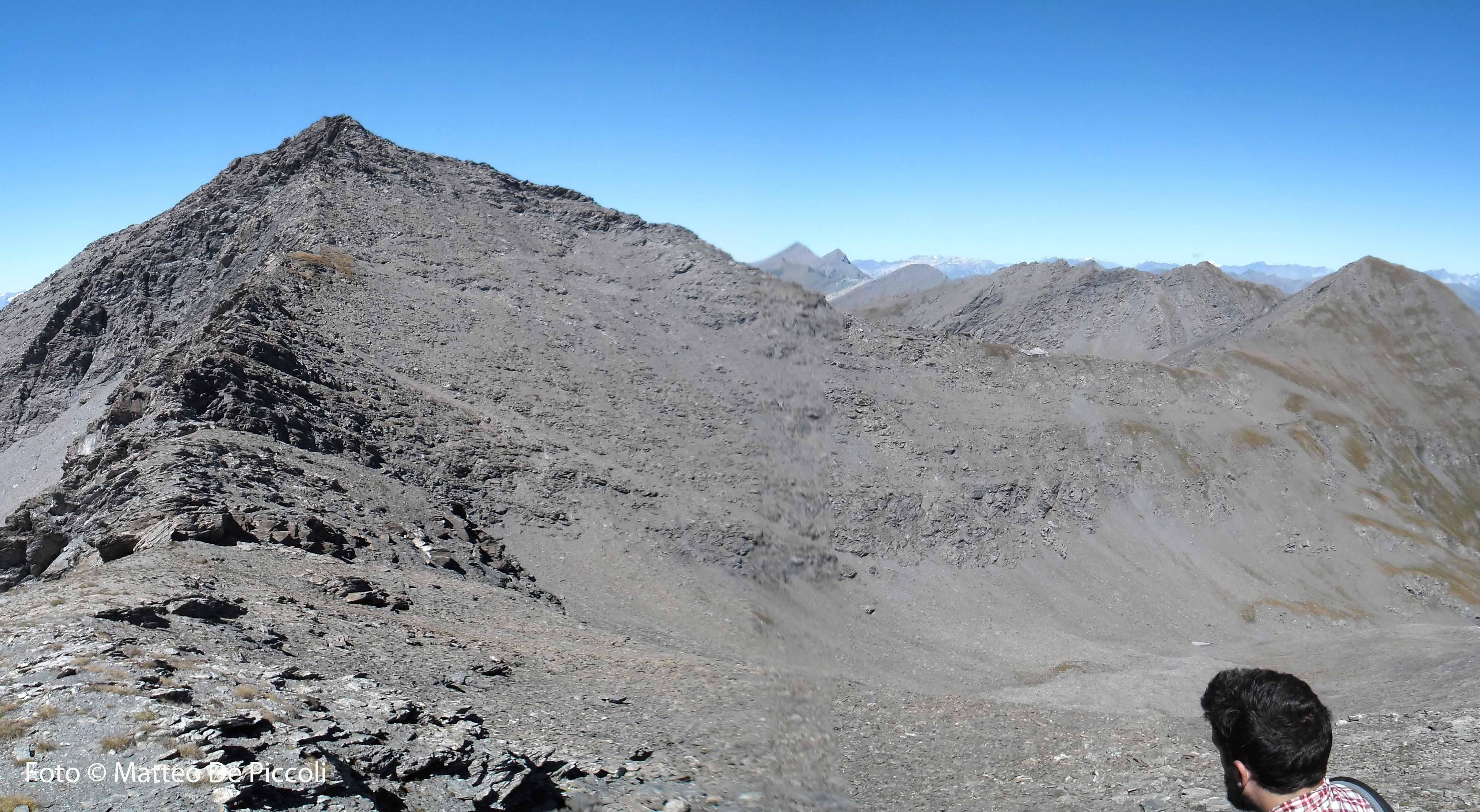 Grand QUeyron e cima Frappier lungp la cresta. In secondo piano le cime di Val Troncea, in fondo il Bric Ghinivert (3027m)