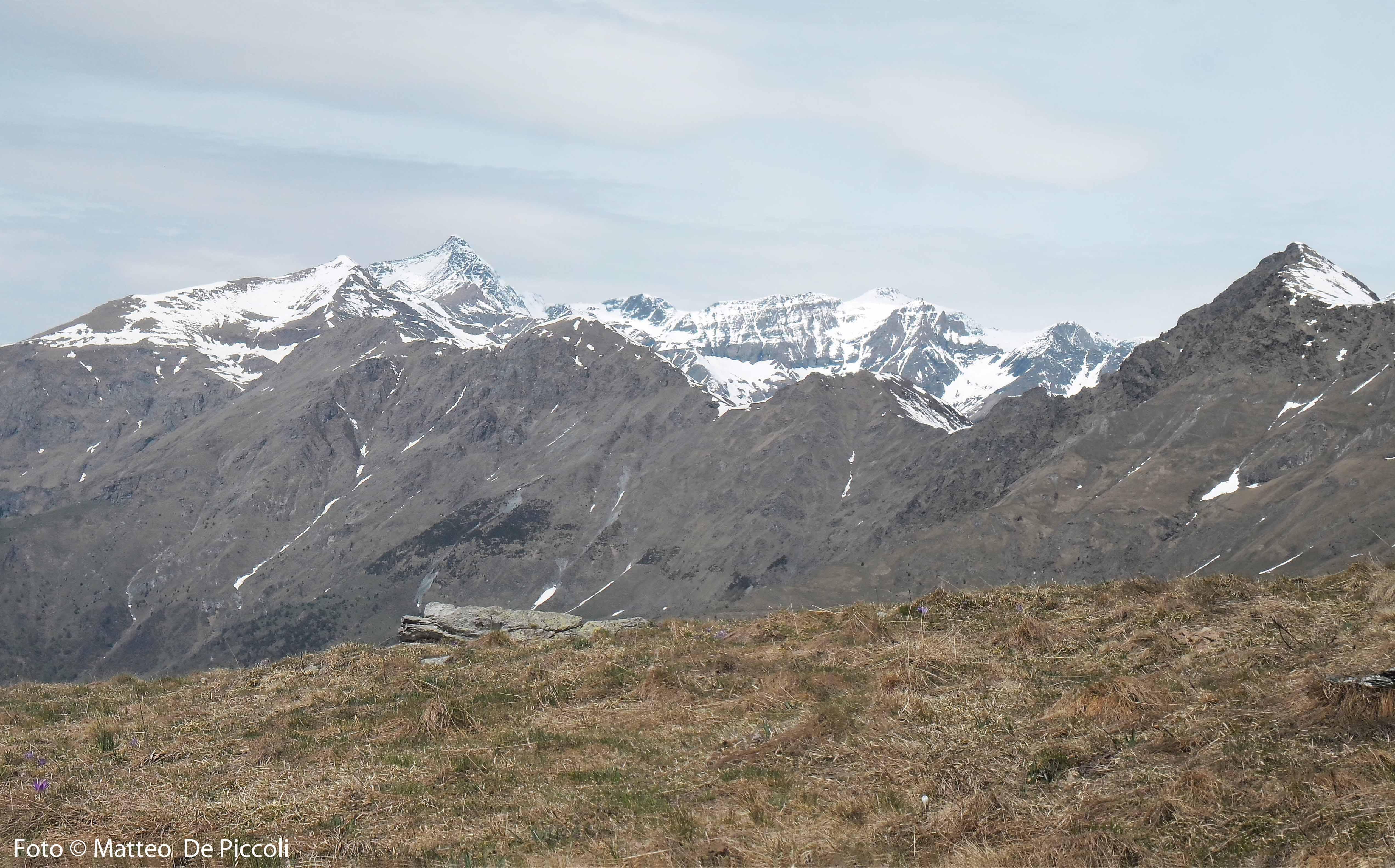 La bella cresta che si sviluppa dalla Lunella passando per Grand'Uia (2666m), Cima Fenera (2620m), Monte Turlo (2590m), Palon (2965) e Rocciamelone (3538m)