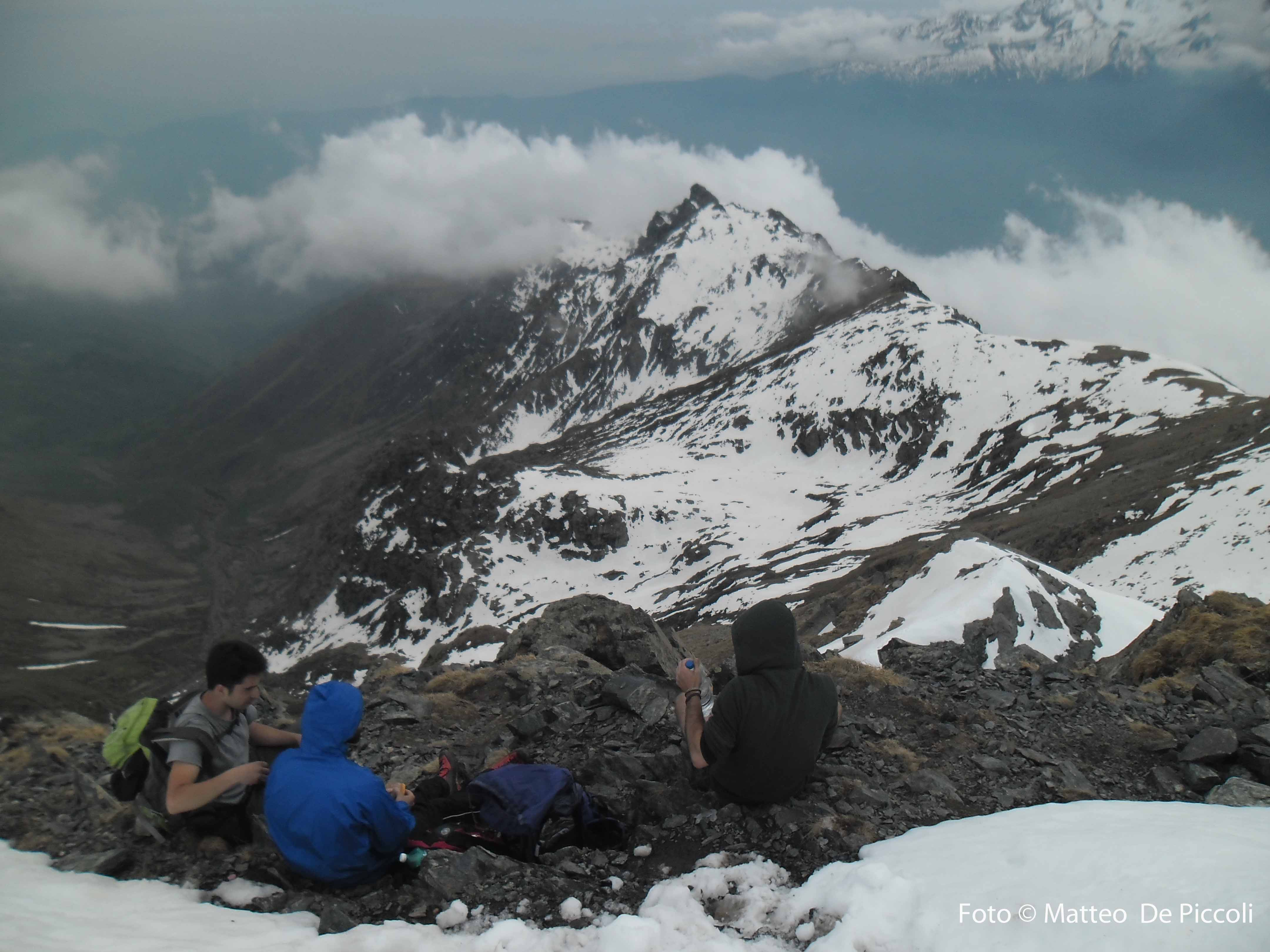 In cima a Punta Lunella, la cresta percorsa e Rocca Patanua