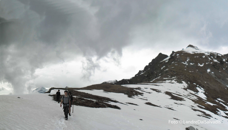 Funghi di nebbia, Punta Cruvin alle spalle