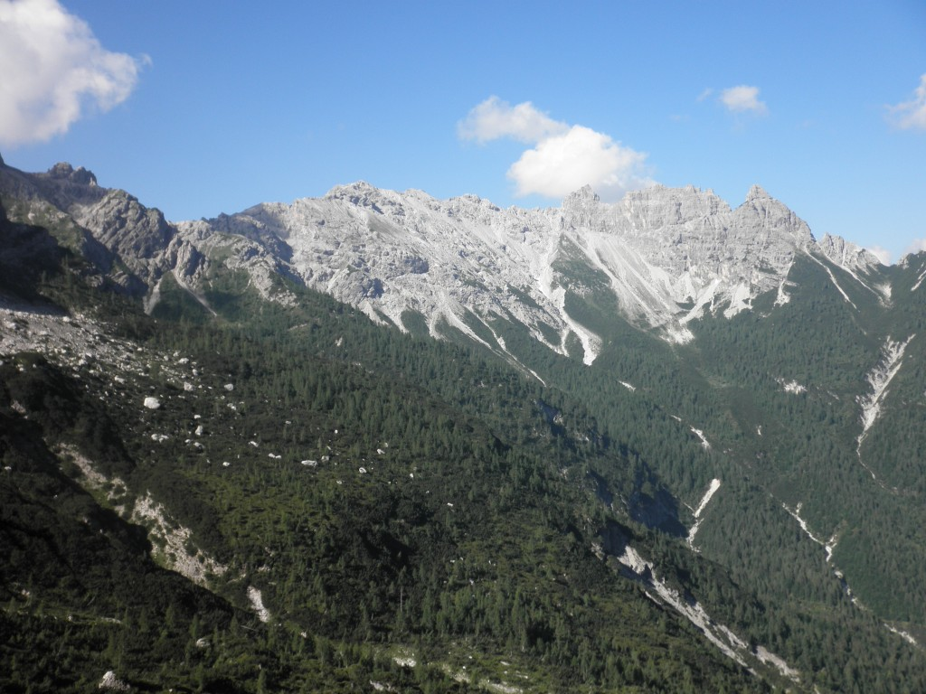 Cime Postegae e Torri Postegae chiudono la valle omonima sull'altro versante