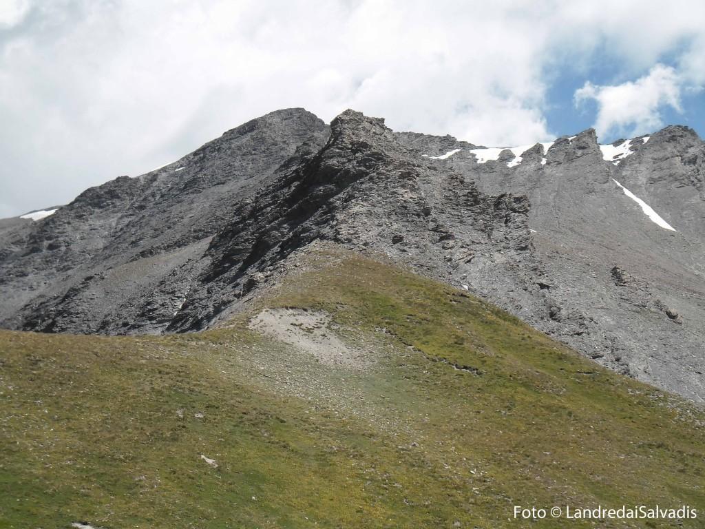 Il Passo della Roccia Verde 2852m. Dietro Cima del Gran Vallone