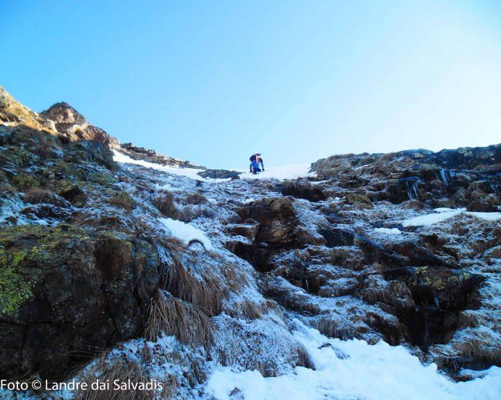 Ultimi pendii ghiacciati prima di giungere in cresta